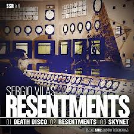 Carl Cox plays SSR048 – Sergio Vilas – Resentments @ Space 2012 Opening