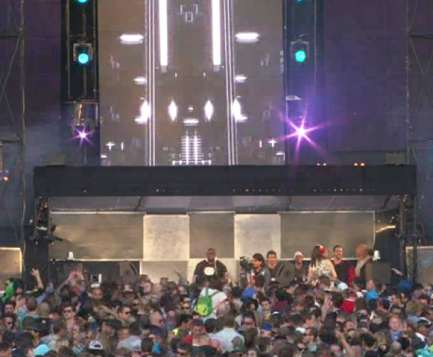 Carl Cox plays SSR057 – Sergio Vilas – Rebate at Awakenings